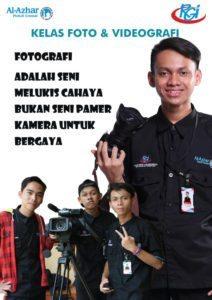 Poster kelas Foto & Videografi di buat dengan Photoshop